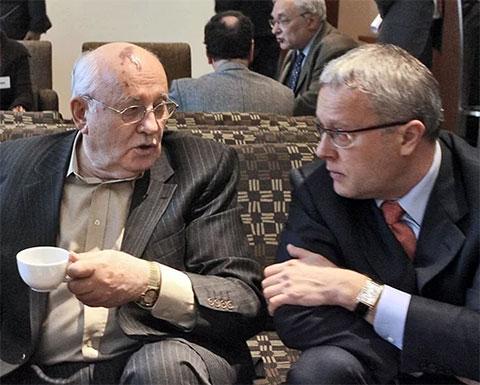 Михаил Горбачев и бизнесмен Александр Лебедев