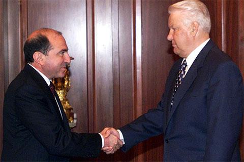 Исполнительный секретарь СНГ Борис Березовский и президент России Борис Ельцин, 1998 год