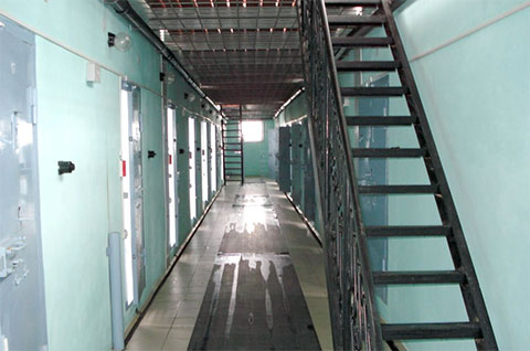 Тюрьма Черный дельфин