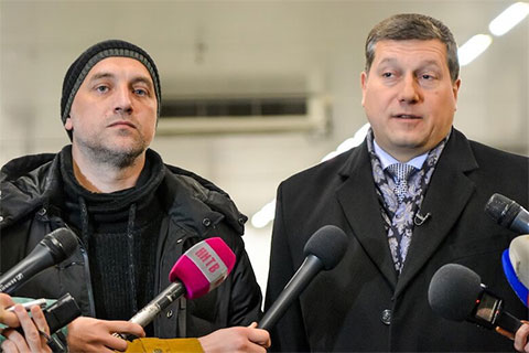 Ополченец ДНР Захар Прилепин ранее конфликтовал с Олегом Сорокиным, но резко изменил свое мнение после оказанной чиновником Донбассу гуманитарной помощи на 10 млн рублей