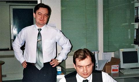 Слева: Сергей Магнитский