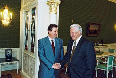 Борис Ельцин и Владимир Шумейко