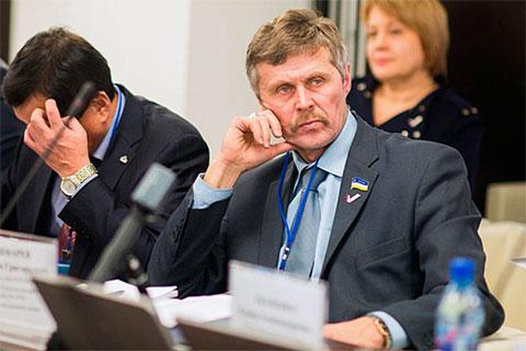 Анатолий Кушнарев