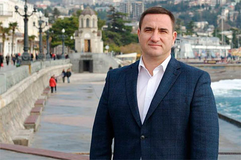 Андрей Ростенко известен не только как бывший мэр Ялты, но и как активный член ОПГ «Греки»