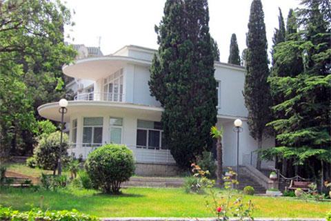 Корпус № 10 санатория «Жемчужина», где с удобствами проживал Андрей Ростенко
