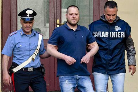 Арест члена клана д'Амико неаполитанской каморры
