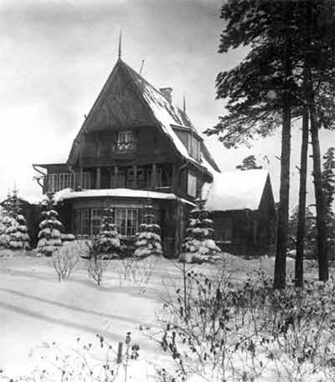 Знаменитая дача Алексея Толстого в Барвихе