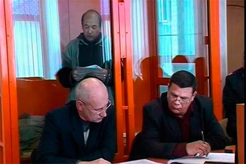 Ринат Салехов во время судебного заседания