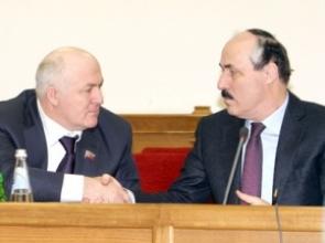 Слева: Магомед Сулейманов иРамазан Абдулатипов