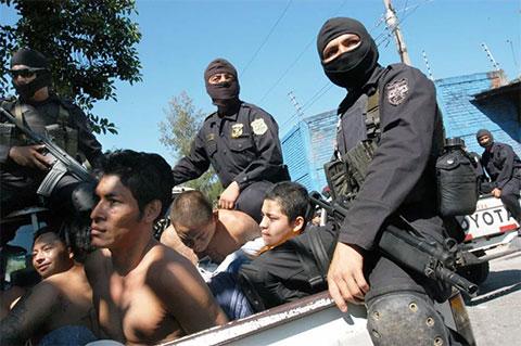 Арест бандитов в Сальвадоре