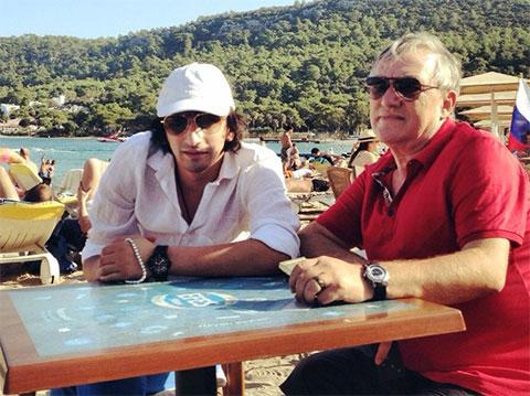 Антимоз с сыном Нуриком в Турции