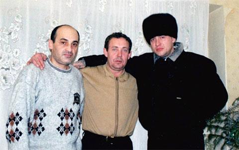 Слева воры в законе: Нугзар Эргемлидзе, Валерий Коршунов (Коржик) и Андрей Крылов (Крыл)
