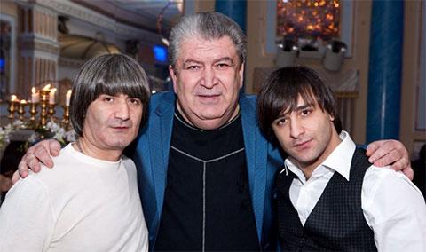 Слева: Эдуард Асатрян, справа: Сергей Асатрян
