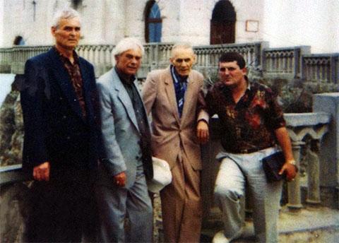 Слева: Анатолий Кириллов (Кирилл), Василий Петров (Вася Очко), Александр Кочев (Вася Корж) и Юра Иванов