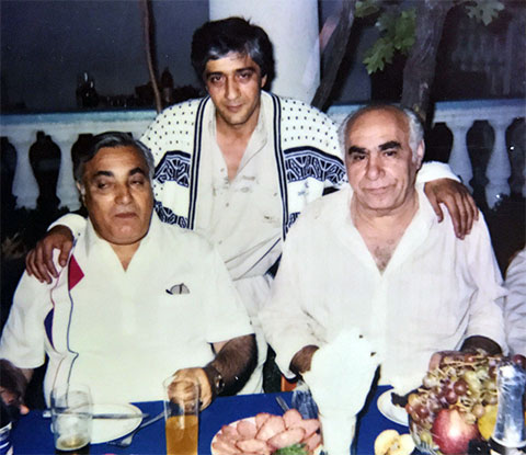 Слева: Аслан Усоян (Дед Хасан), Сергей Худоев, Владимир Барсегов (Кирпич), Анапа, 1993 год