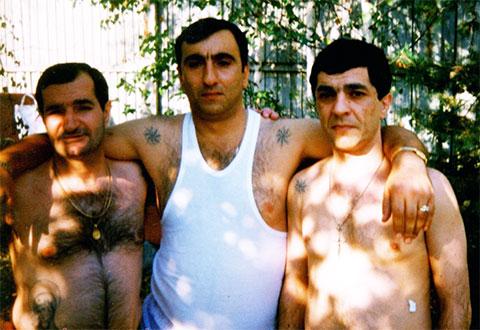 Слева воры в законе: Гиви Лазгиян (Гиви Маленький), Гачик Асатурян (Гагик) и Камо Сафарян (Камо Горьковский)