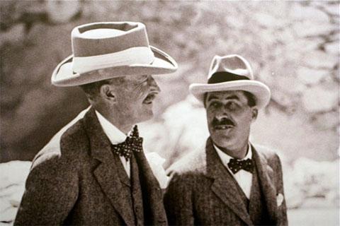 Слева: Карнарвон и Говард Картер