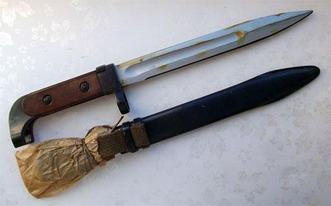 Оригинальный штык-нож АК-47 (фото)