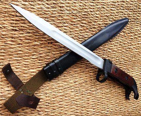 Штык-нож АК-47 с ножнами - (фото)