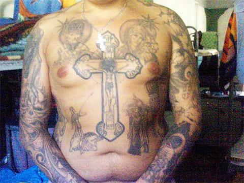 Тату крест на груди фото