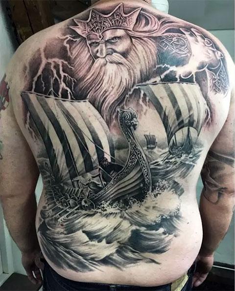 Скандинавская татуировка на морскую тему (фото)