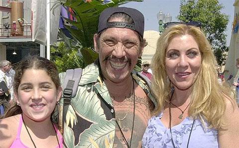 Дэнни Трехо с женой Дебби и дочерью Даниэль Трехо
