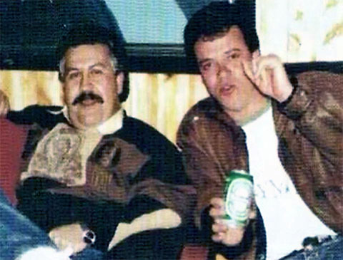Слева: Пабло Эскобар и Джон Веласкес