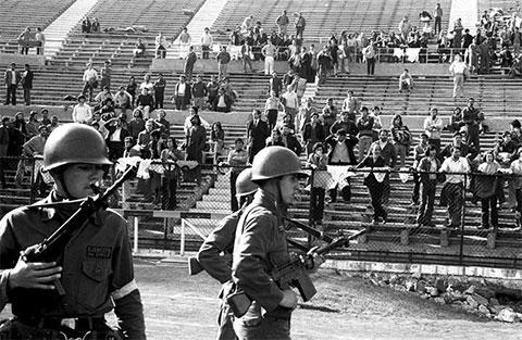 Национальный стадион в Сантьяго во время Чилийского переворота