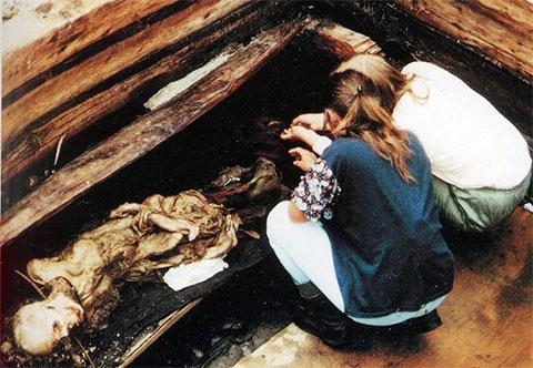 Такой увидели алтайскую мумию нашедшие ее археологи