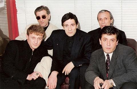Слева воры в законе: Казбек Шахбулатов (Казбек Рыжий), Валерий Клиевский (Валера Сухумский), Тамаз Окропиридзе (Томик) и Занди Цулукидзе