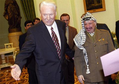 Ясир Арафат и Борис Ельцин