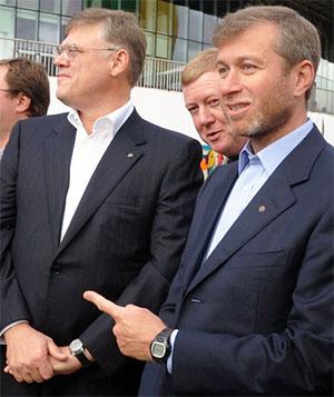 Слева: Александр Абрамов, Анатолий Чубайс и Роман Абрамович
