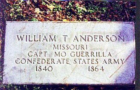 Мемориальная плита на могиле Кровавого Билла