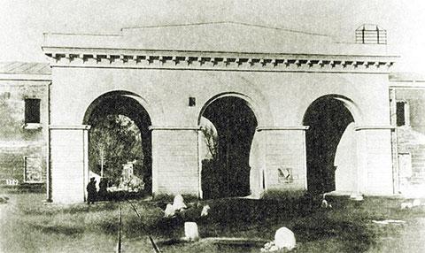 Кобринские (Трехарочные) ворота