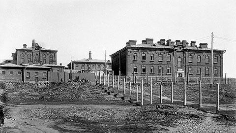 Старое фото Верхнеуральской тюрьмы