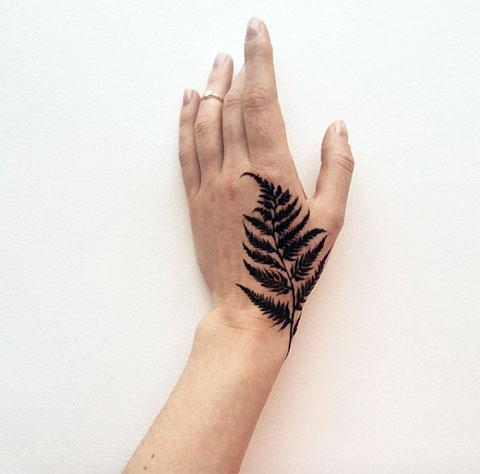 Татуировка папоротника - фото