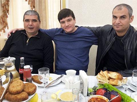 Слева воры в законе: Армен Казарян (Пзо), Гайк Саркисян (Айко Астраханский) и Армен Манукян (Сево Ереванский), 2019 год