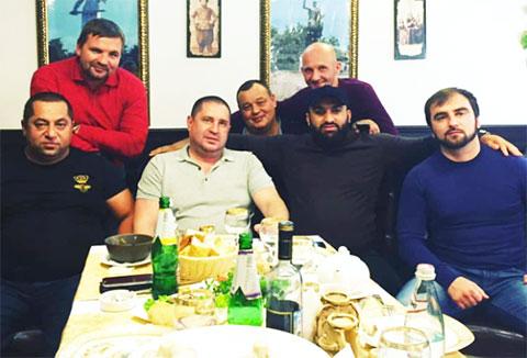 В центре: вор в законе Андрей Ткаченко - Ткач Няганьский