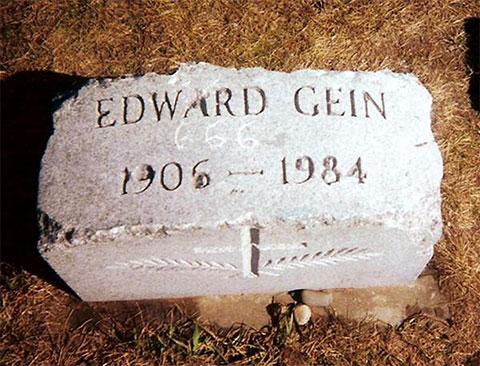 Надгробие на могиле Эдварда Гейна