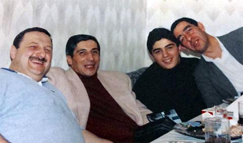В центре: Константин и Георгий Калашяны