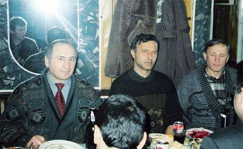 Слева воры в законе: Михаил Никурадзе (Луа), Рауль Гегечкори, Сачино Гегечкори