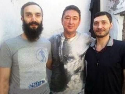 Слева воры в законе: Кахабер Орагвелидзе (Каха Тбилисский), Олег Семакин (Ева), Темури Гвасалия (Темо Сухумский)