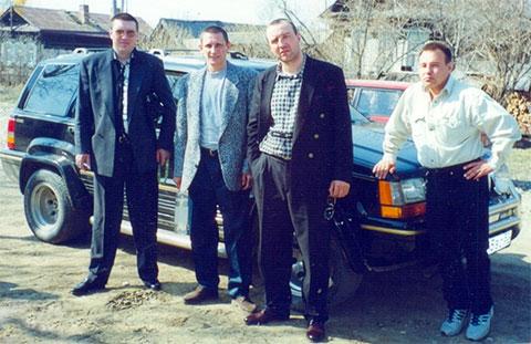 Слева вор в законе Андрей Трофимов - Трофа