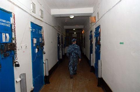 """В корпусе для пожизненно осужденных в тюрьме """"Черный беркут"""""""