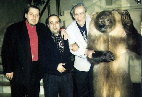 Справа: вор в законе Вахтанг Чачанидзе, слева: вор в законе Александр Тимошенко