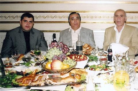 Слева воры в законе: Сурен Тавадов (Сурик Андижанский), Аслан Усоян (Дед Хасан) и Вахтанг Чачанидзе