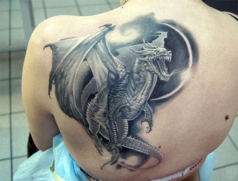 Тату с европейским драконом