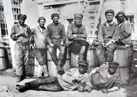 Заключенные на стройке