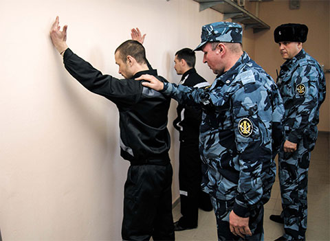 В корпусе тюрьмы Снежинка