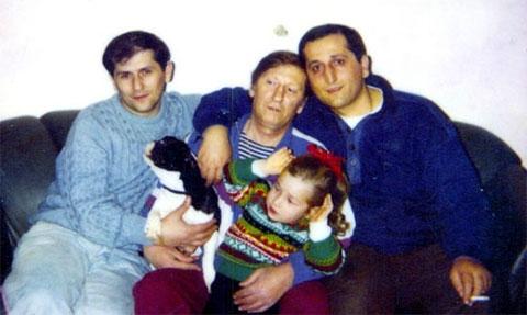 Слева воры в законе: Гоча Биркадзе (Гоча Кутаисский), Элгуджа Кикачеишвили (Махохия), Эмзар Джапаридзе (Кватия)